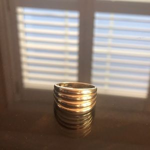 Jewelry - 10k yellow gold wide rubbed band